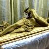 Rzeźba Chrystusa leżącego w grobie w kaplicy Najświętszego Serca Jezusowego
